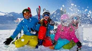 Самые популярные виды отдыха зимой и летом